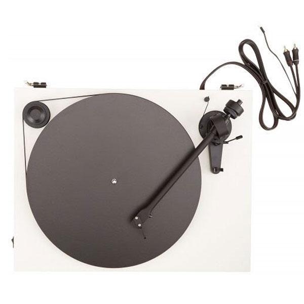 ベルトドライブ式のレコードプレーヤー