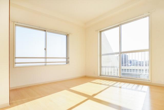 紫外線17 窓のある部屋